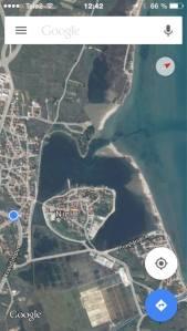 Die kleine Stadt Nin ist umgeben von einer Lagune. Man kitet entweder im Lagunenteil östlich von der Stadt oder im Meer. Dazwischen liegt der längliche Strandteil – der auf beiden Seiten einen Zugang zum Wasser bietet.